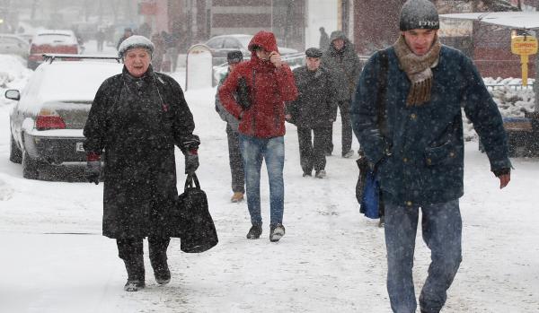 Минтранс Московской области предупредил водителей оснегопаде