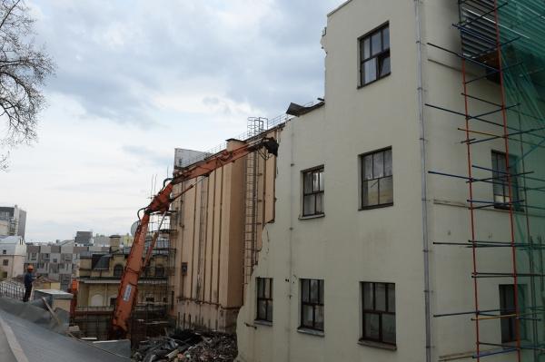 Московский законодательный проект огарантиях для жителей столицы при реновации принят впервом чтении