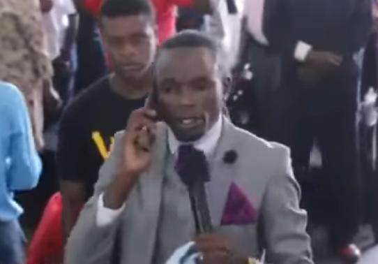 ВЗимбабве пастор позвонил творцу помобильному