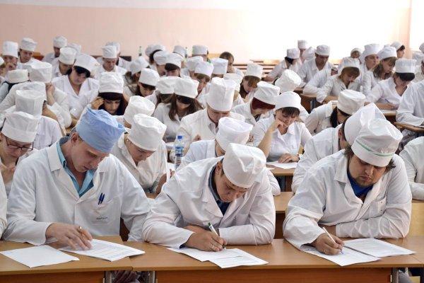 Сергей Собянин организовал гранты надополнительное обучение студентов-медиков иординаторов