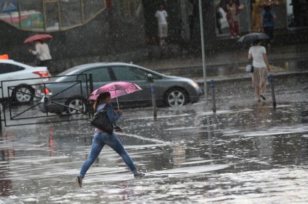Синоптики уточнили время сильнейшего шторма в столицеРФ вконце рабочей недели