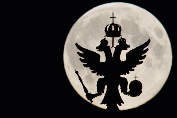 Россияне в августе увидят лунное затмение и звездопад