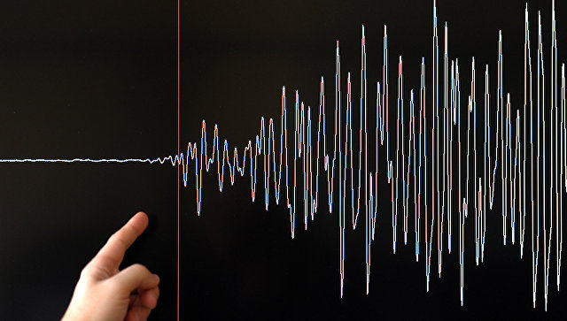 После землетрясения магнитудой 8,2 около Аляски объявлена угроза цунами