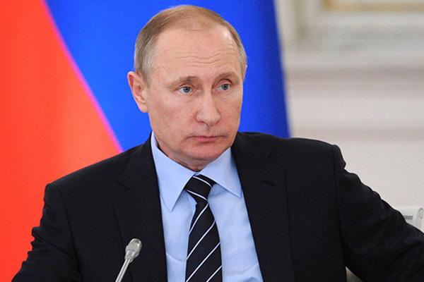 Путин призвал пресекать попытки вмешательства иностранных спецслужб