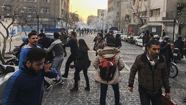 ВТегеране усилены меры безопасности вокруг посольстваРФ