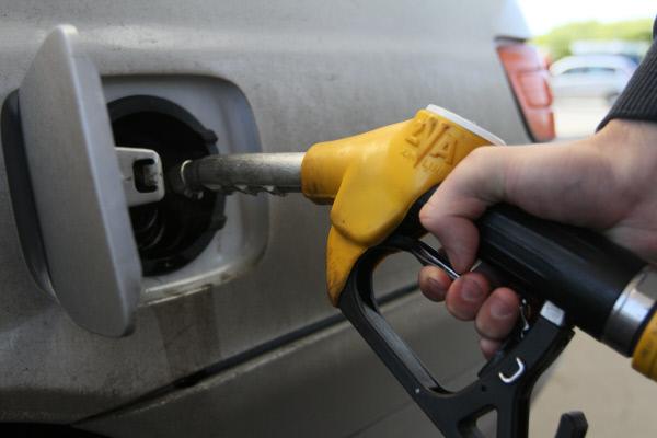 Оптовые цены набензин снизились после запроса антимонопольной службы