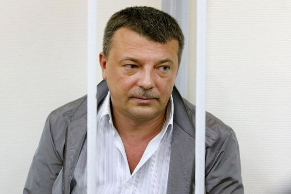 Обвинитель попросил 15 лет колонии для обвиняемого вкоррупции офицера СКР Максименко