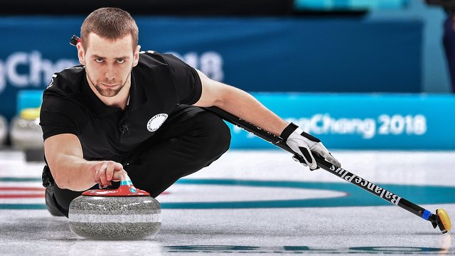 Керлингист Крушельницкий возвратит бронзовую медаль Олимпийских игр