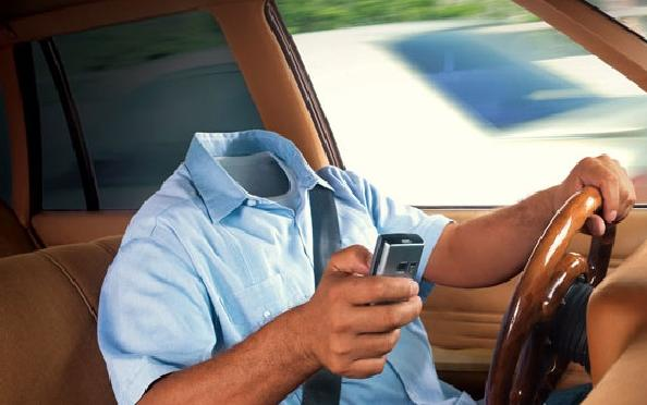 ВКрасноярске шофёр автобуса впериод движения обеими руками играл втелефон