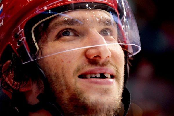 Овечкину наложили несколько швов после попадания шайбы влицо вматче НХЛ