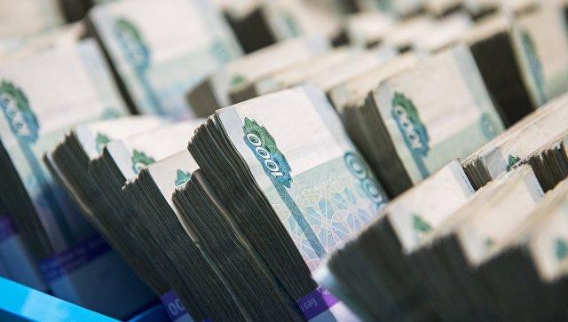 В мае рубль останется под давлением
