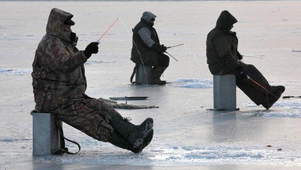 Провалившегося под лед мужчину спасли вНогинске
