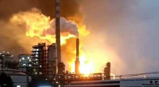 В социальных сетях  распространяют видео сместа взрыва назаводе вКитайской народной республике