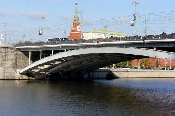 Большой каменный мост починят