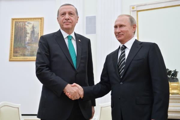 Візит Путіна на футбол до Туреччини може викликати питання у Ірану і Сирії