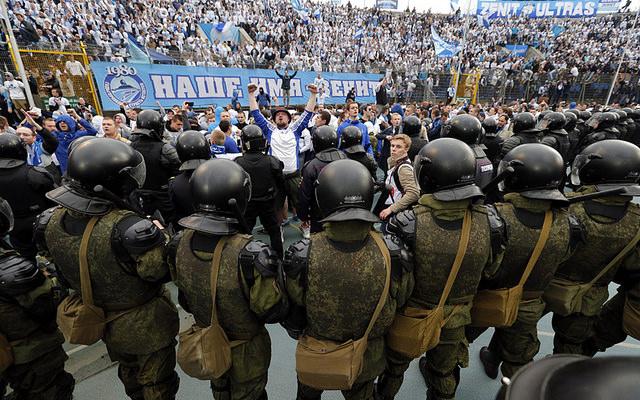 Футбольных болельщиков непустят наматч «Зенит»-