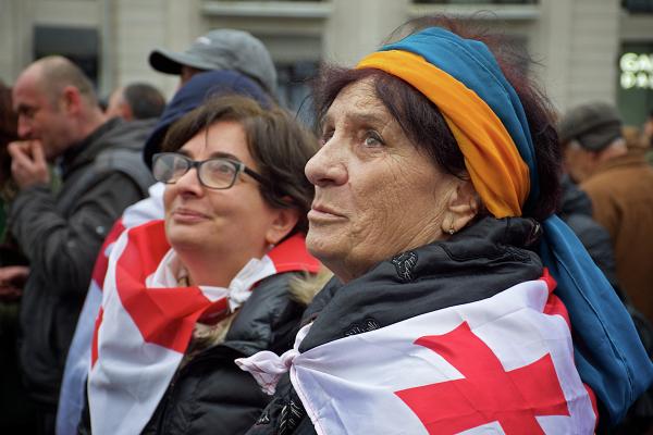 Мать Саакашвили назвала задержание сына преступным