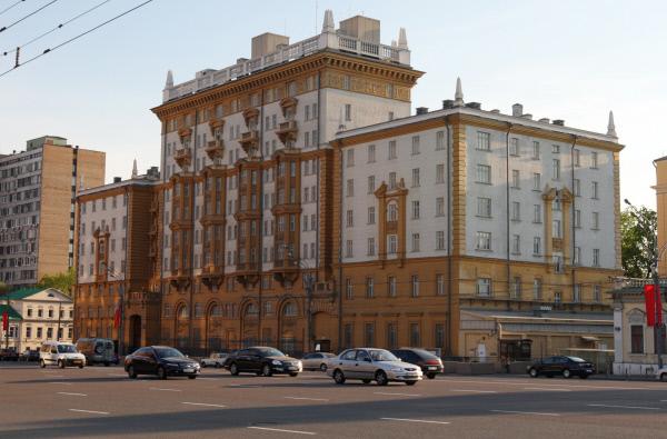 Платная стоянка принесла вбюджет столицы неменее 13,3 млрд руб.