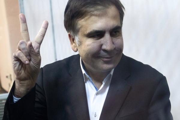 ВГрузии Саакашвили заочно приговорили ктрем годам тюрьмы