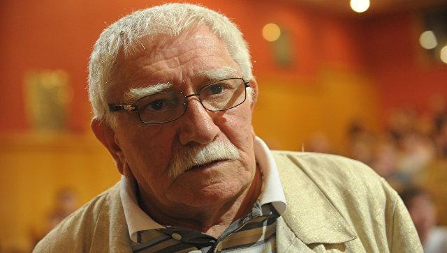Друг Армена Джигарханяна поведал , почему артиста забрали в поликлинику