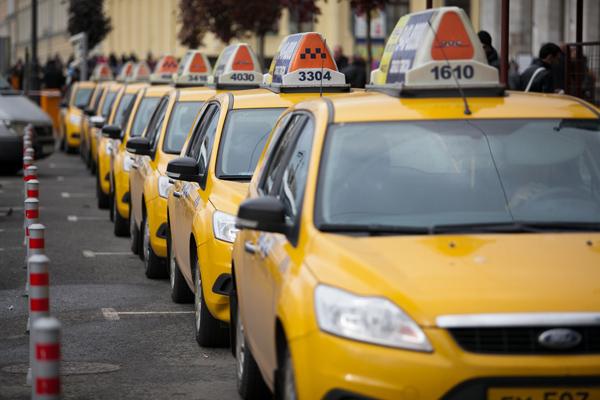 Исследование: число незаконных таксистов в Российской Федерации уменьшается на13% каждый год