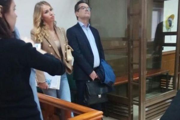 Против гражданской супруги полковника Захарченко возбудили дело офальсификации свидетельств