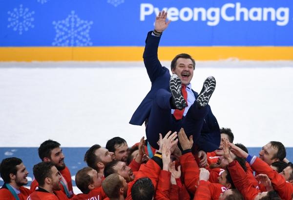 Путин поздравил сборнуюРФ похоккею спобедой наОИ вПхенчхане
