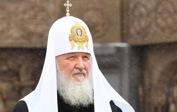 Путин пожелал патриарху Кириллу гораздо меньше работать
