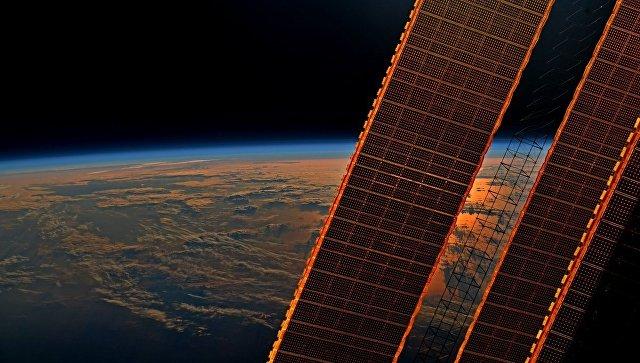 Мощная вспышка на Солнце угрожала космонавтам на МКС