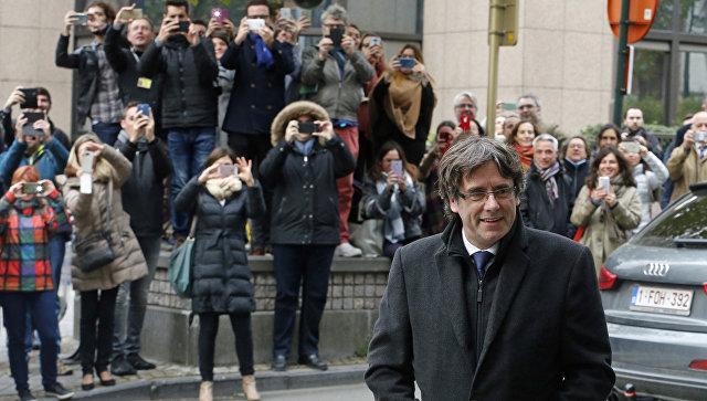 Экс-глава Каталонии Пучдемон поведал онесостоявшейся сделке сМадридом
