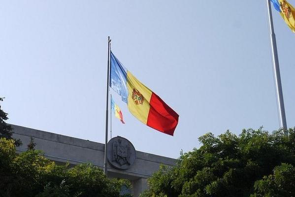 Стадный инстинкт: Молдавия вышлет троих русских дипломатов взнак солидарности сБританией