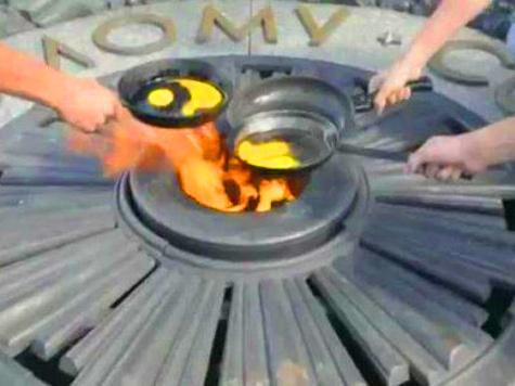 ЕСПЧ поддержал поджарившую яичницу ссосисками наВечном огне украинку