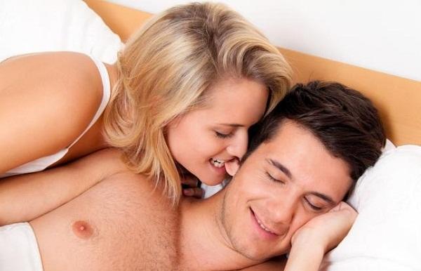 Пара занимается сексом первый раз