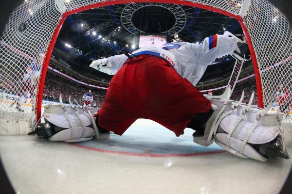 Кучеров признан лучшим игроком НХЛ вмарте