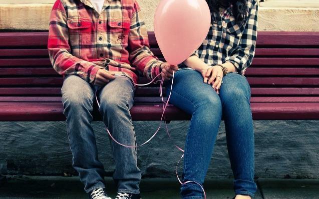 Эксперт: Российская молодежь предпочитает пиво презервативам
