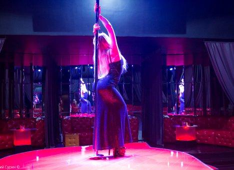 striptiz-foto-tegi
