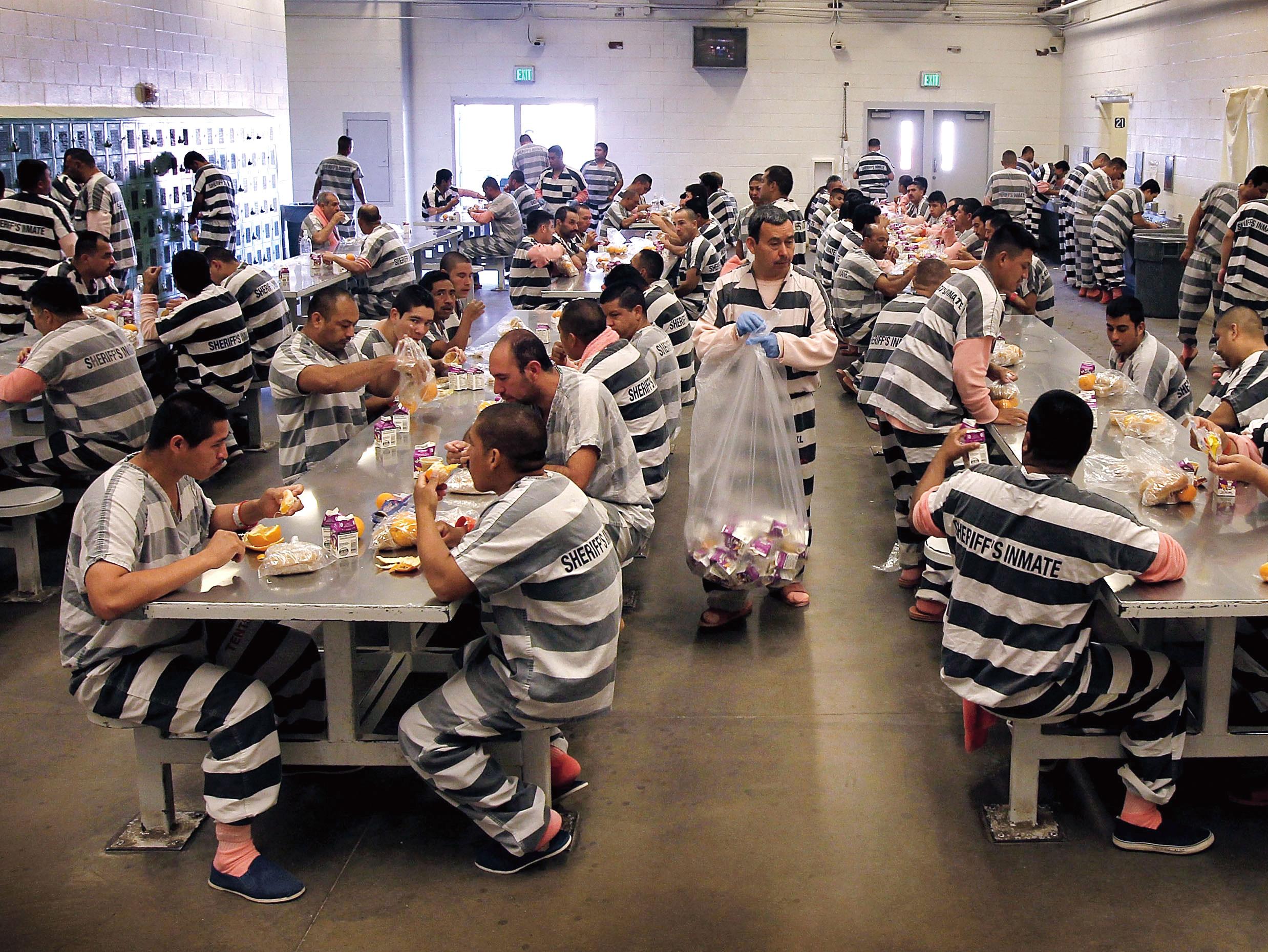 У половины американцев родственники сидели в тюрьме