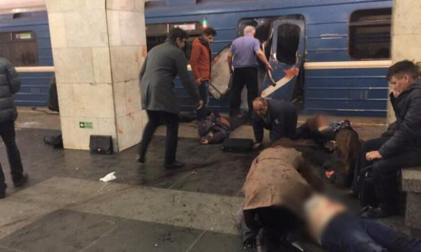 Размещено видео сместа взрыва вметро Санкт-Петербурга