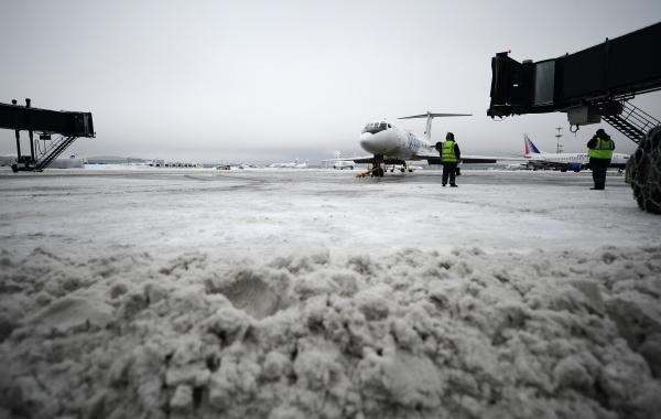 МИД предупреждает оперебоях вработе аэропортов Европы из-за снегопада