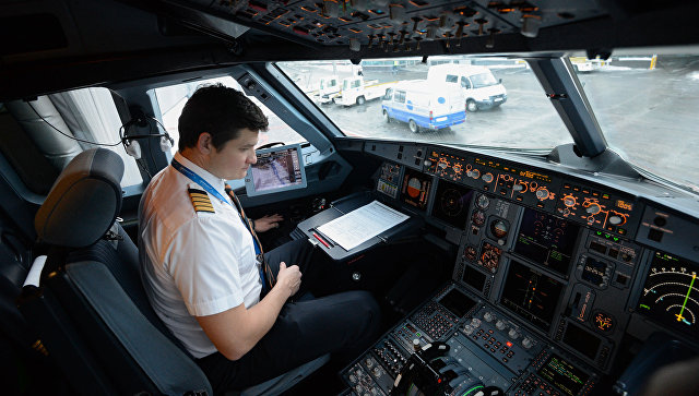 «Аэрофлот» поднял заработную плату пилотов до650 тыс. руб. вмесяц