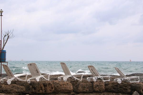 Власти Сочи опровергли запрет посещать пляжи утром и вечером