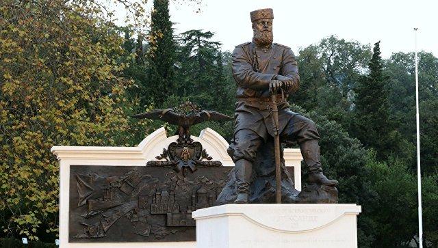 Расцвет империи: монумент Александру III запечатлел основные достижения времен его правления