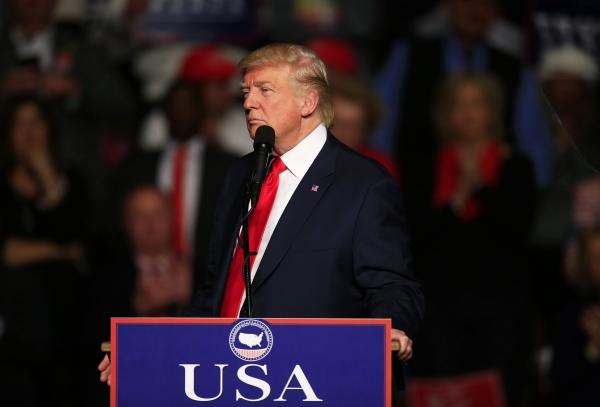 ВВеликобритании  любимая фраза Трампа стала словом года