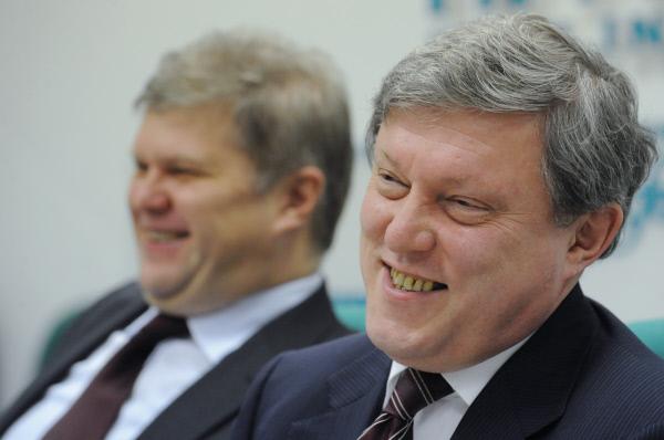 """Явлинский и Митрохин придумали новую акцию: """"Как угробить страну за пару дней"""""""