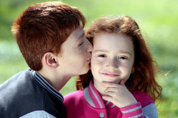 В столице возникла служба доставки поцелуев