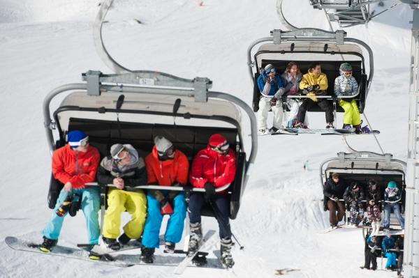 Число выезжающих заграницу русских туристов упало на20%