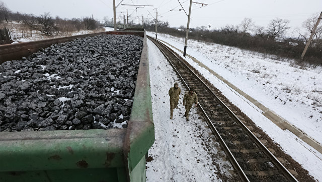 Украинские радикалы сняли блокаду железнодорожного сообщения сРоссией