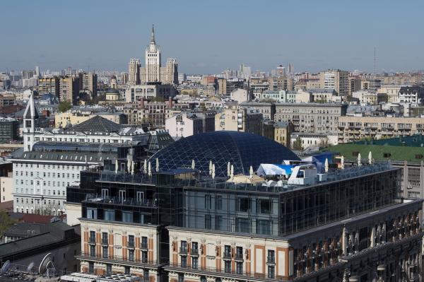 В российской столице установили тысячи табличек сподсветкой иновые указатели