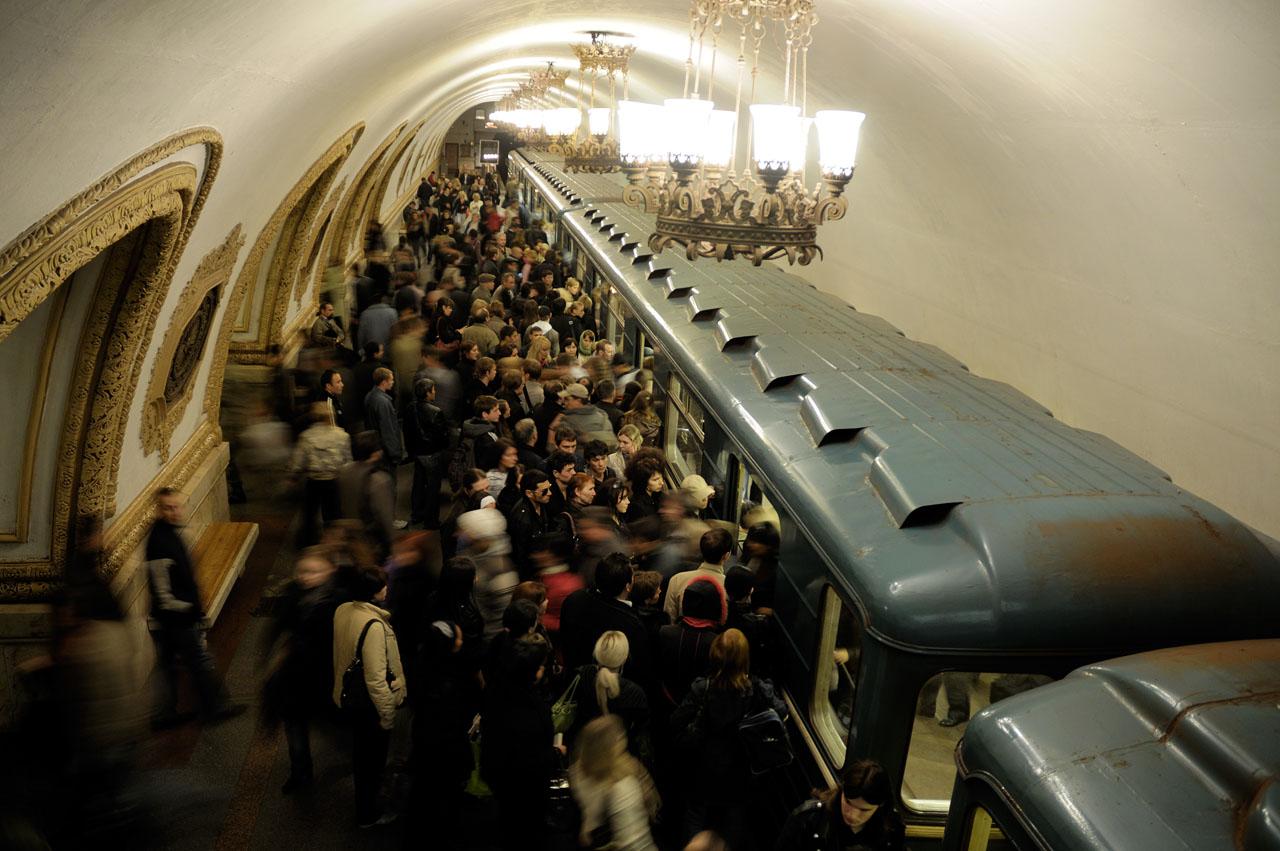 В Москве в Рождество сотрудники метро помогут пассажирам дойти до храмов