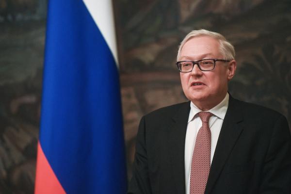 Рябков: РФ ответит на вероятные новые санкции G7 внужный момент